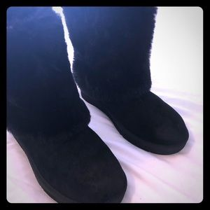 Women's Uggs with fur size 6